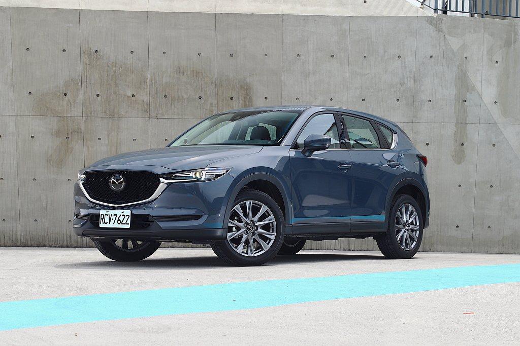 日系質感都會休旅Mazda CX-5推出獻定版車型。 記者張振群/攝影