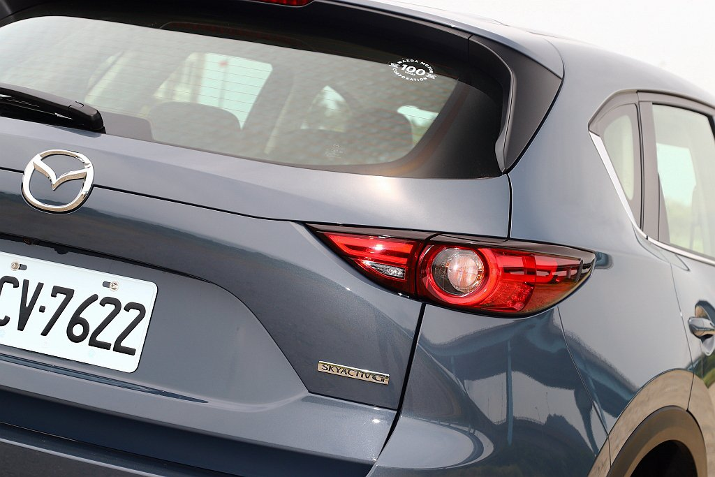 Mazda CX-5獻定版共有頂級獻定版、旗艦獻定版兩種車型,建議售價分別為10...