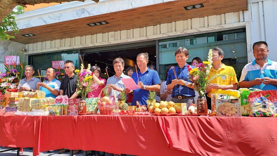 福翌「巨蟹座」11日舉行公開發表會。 張傑/攝影