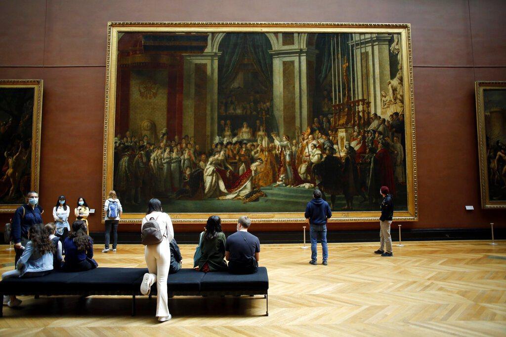 法國新冠肺炎死亡人數突破3萬大關,且病毒傳播「再現加速趨勢」。圖為巴黎羅浮宮。 ...