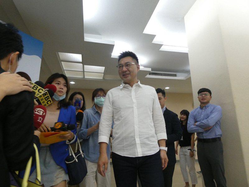 高雄市議長補選國民黨內傳出國民黨內整合出現裂痕,國民黨主席江啟臣表示,持續努力中,因為總是要到最後一刻。 記者周志豪/攝影