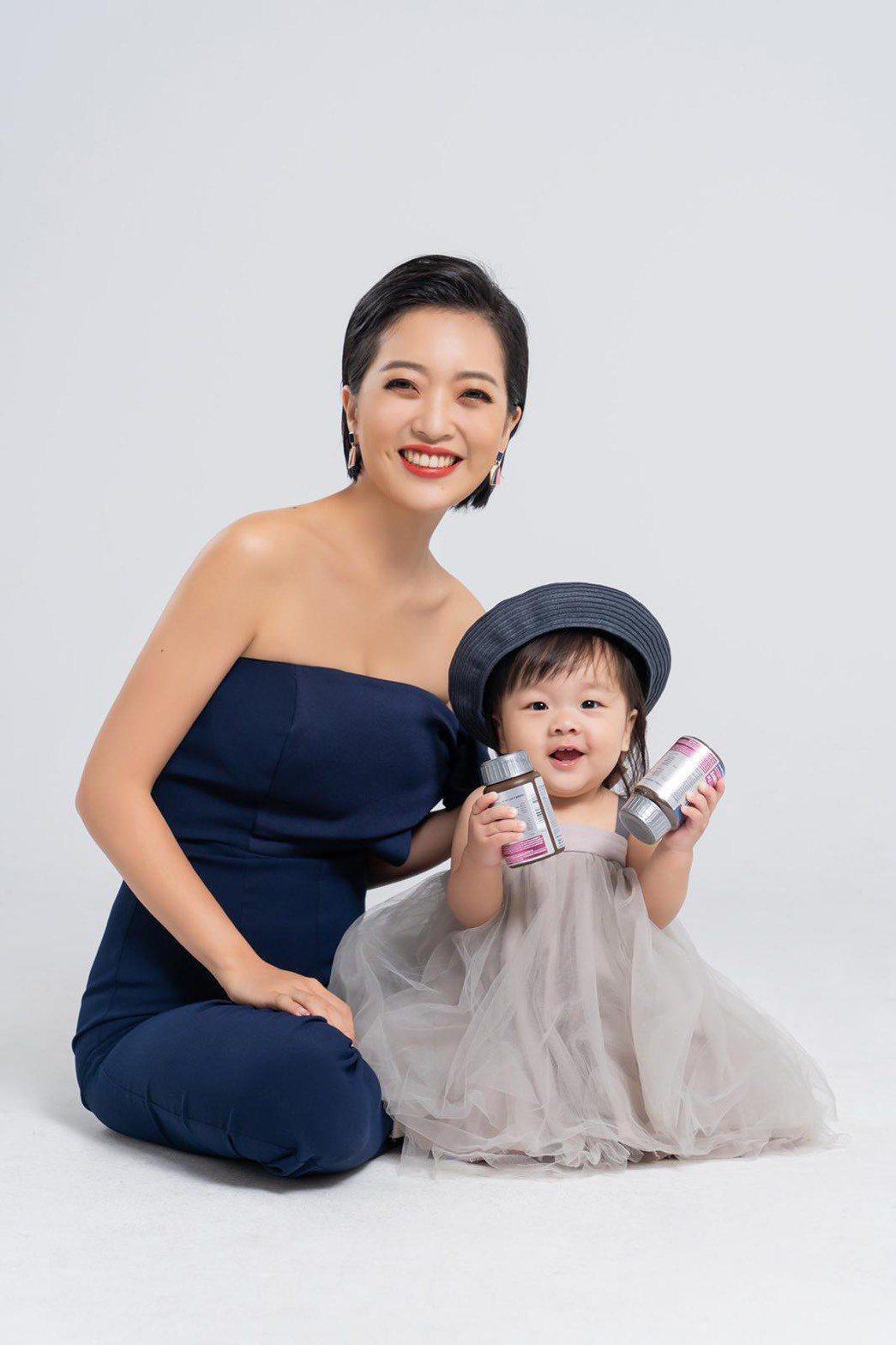 貝童彤與帕皮母女聯手拍廣告。圖/星恆娛樂提供