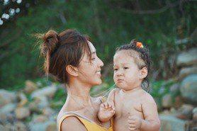 隋棠挨批「不該讓女兒裸露上身」 親揭真相網呆了