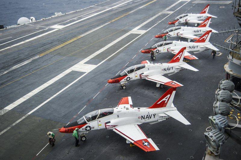 T-45蒼鷹教練機示意圖。(美聯社)
