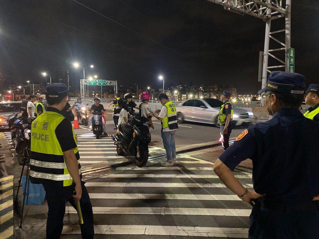 鑑於近日噪音車問題頻傳,蘆洲警分局於昨晚實施擴大聯合稽查,與環保局針對噪音、改裝...