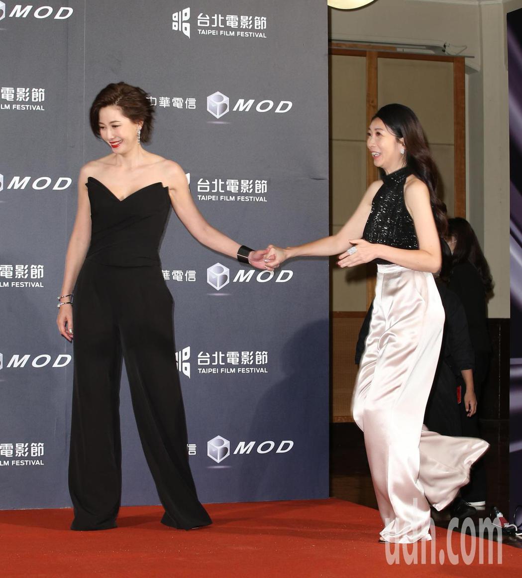 丁寧(左)、黃嘉千。記者陳立凱/攝影