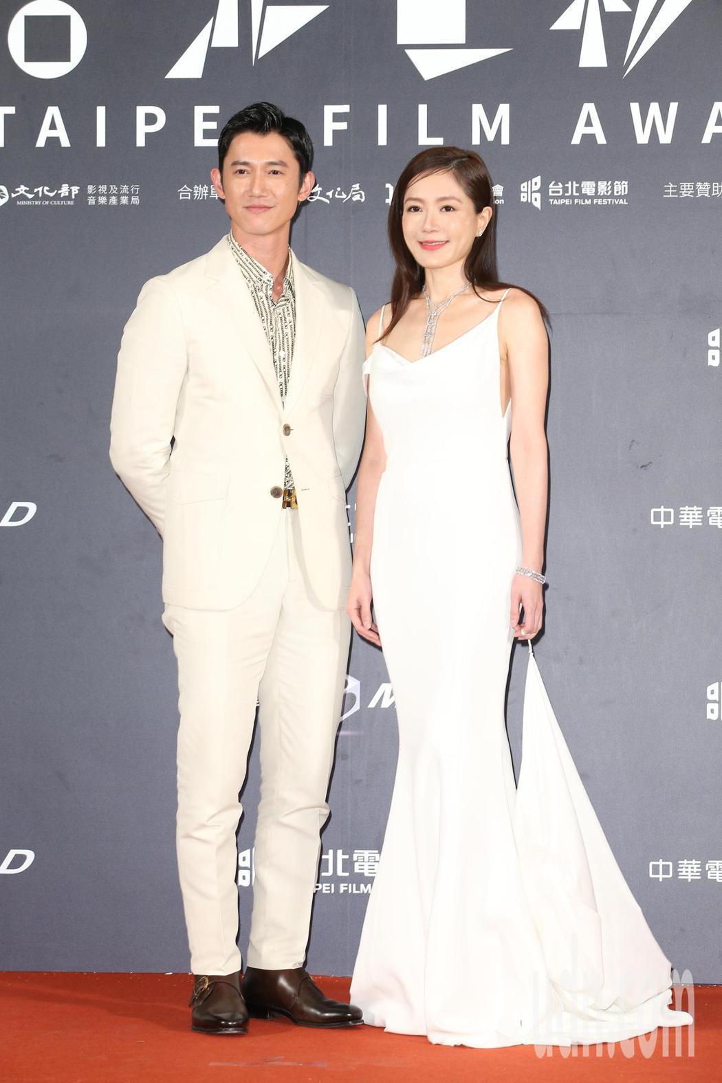 尹馨(右)、吳慷仁。記者陳立凱/攝影