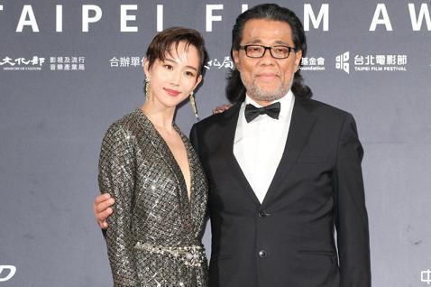 台北電影獎頒獎,張鈞甯、李屏賓出席台北電影獎會前接受媒體拍攝。