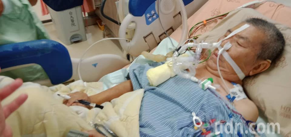 前立委蔡啟芳肺部移植手術11小時順利,未來2周觀察期。圖/取自蔡易餘臉書