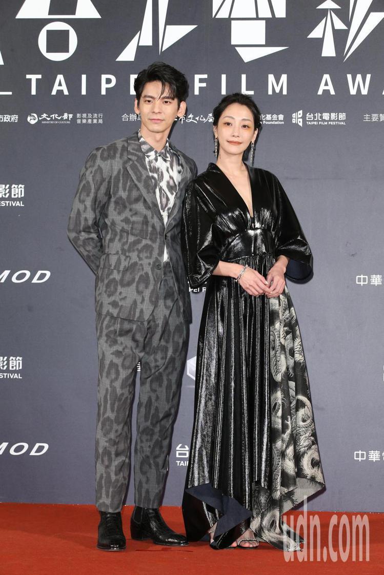 謝欣穎(右)、林柏宏。記者陳立凱/攝影