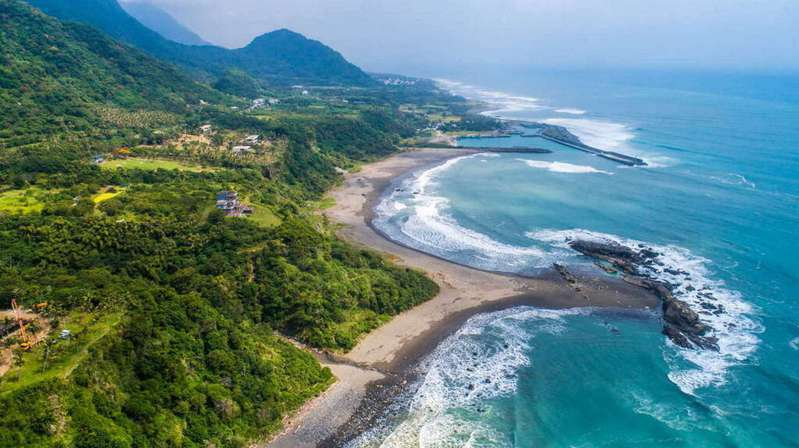 台東有全台最長海岸線,卻無一處安全合法戲水場域。圖/東部海岸國家風景區管理處提供