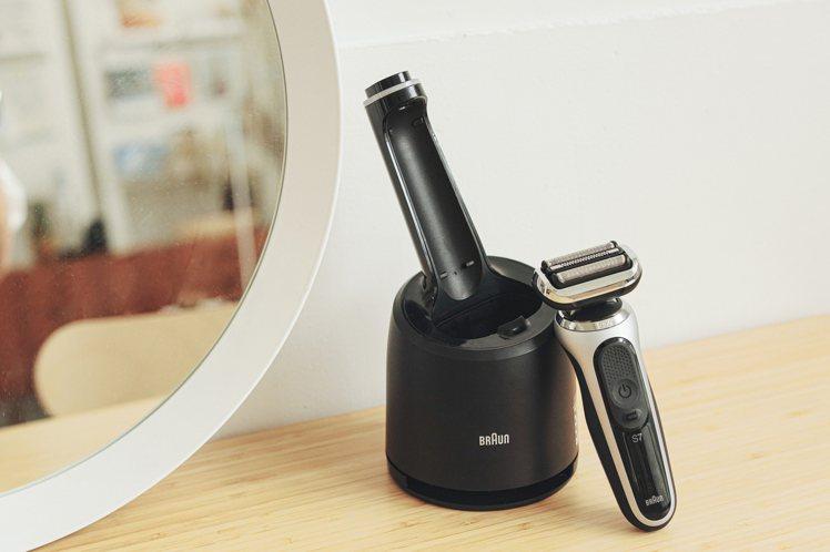 德國百靈首推全新BRAUN 7系列360°暢型貼面電鬍刀,一網打盡刮鬍零死角。圖...