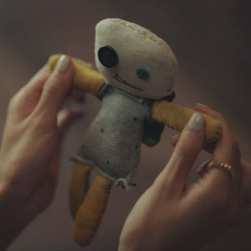 金秀賢送給徐睿知娃娃助眠。圖/摘自臉書