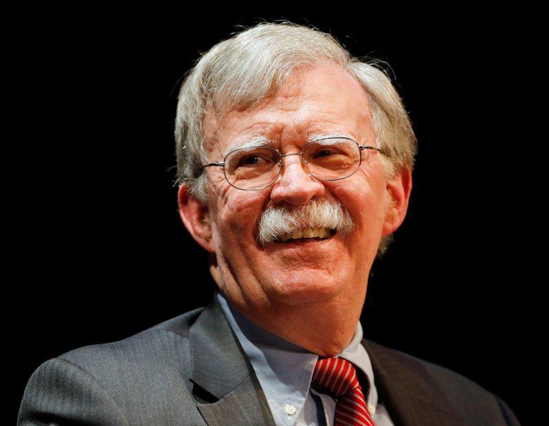 前白宮國家安全顧問波頓(John Bolton)6月出書大爆猛料激怒總統川普,遭到美國司法部調查。(路透)