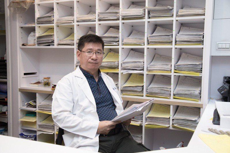 小鎮也有精神科? 醫師李俊仁是傾聽秘密的樹洞