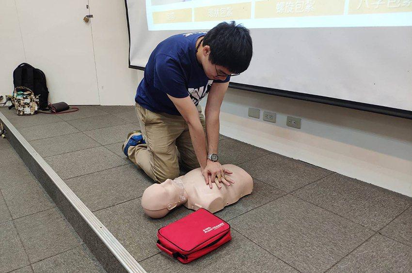 中央大學今年度的宿舍幹部訓練,首創「防災士」認證訓練。 中央大學/提供