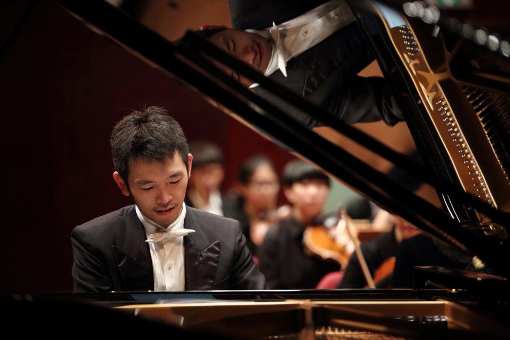 奇美樂展「貝多芬音樂節」鋼琴家嚴俊傑。奇美博物館/提供