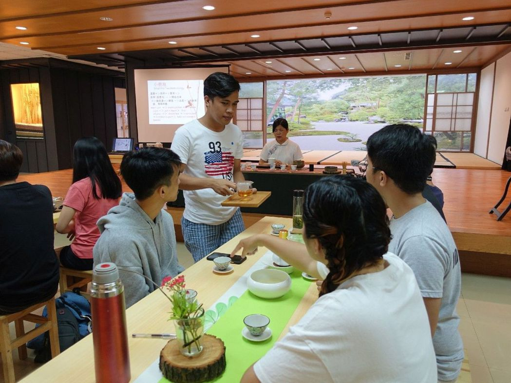 高苑USR「喫茶趣」高苑科大外籍生茶文化體驗。 高苑科大/提供