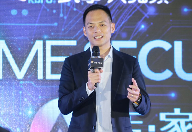 台灣大哥大總經理林之晨今天表示,「今天下單、明天到店取貨」的服務體驗,如果拉長時間來看,對電商界來說是「很重要的一步」。聯合報系資料照片/記者曾學仁攝影