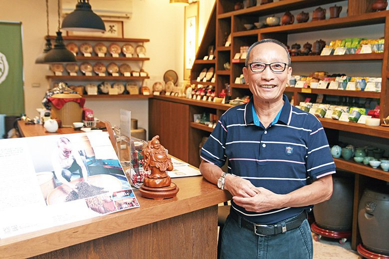 ▲蔡玄甫是福大同茶莊第五代經營者。吳長益攝影
