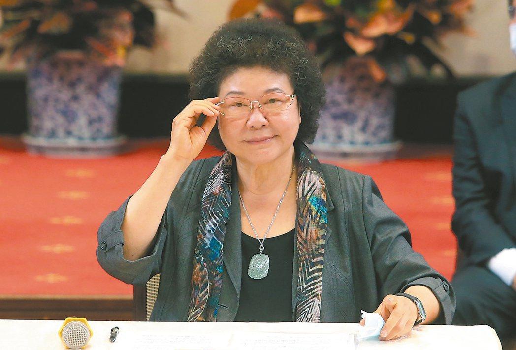 立法院本周將處理監察院長被提名人陳菊(圖)等人事案,院區內罕見出現部署在高點的警...