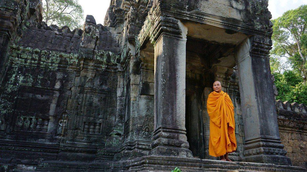 唐美雲為「真諦大師」遠赴柬埔寨拍攝。圖/大愛提供
