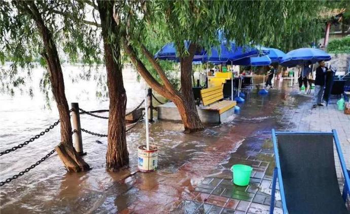 大陸水利部指出,6月以來,大陸共有433條河流發生超警(超過警戒水位)以上洪水,...