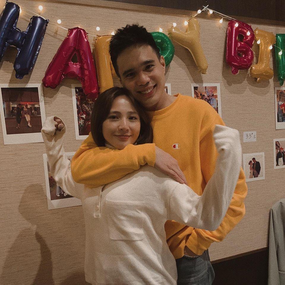 張念平(右)今年4月浪漫替梁文音慶生。圖/摘自IG