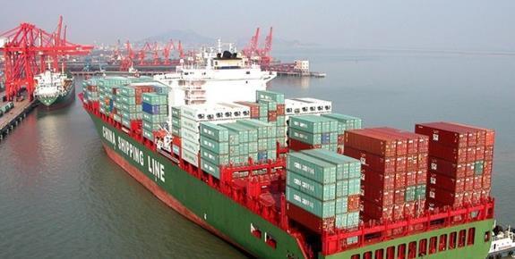 路透綜合逾30家機構預測,大陸6月以美元計價出口和進口年降幅將雙雙縮小。圖/取自新浪網