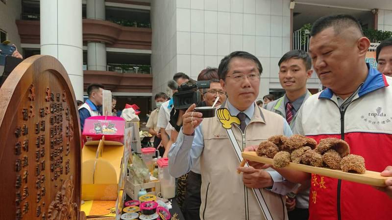 台南市長黃偉哲表示,對行政院長蘇貞昌言聽計從並無不好。記者鄭惠仁/攝影