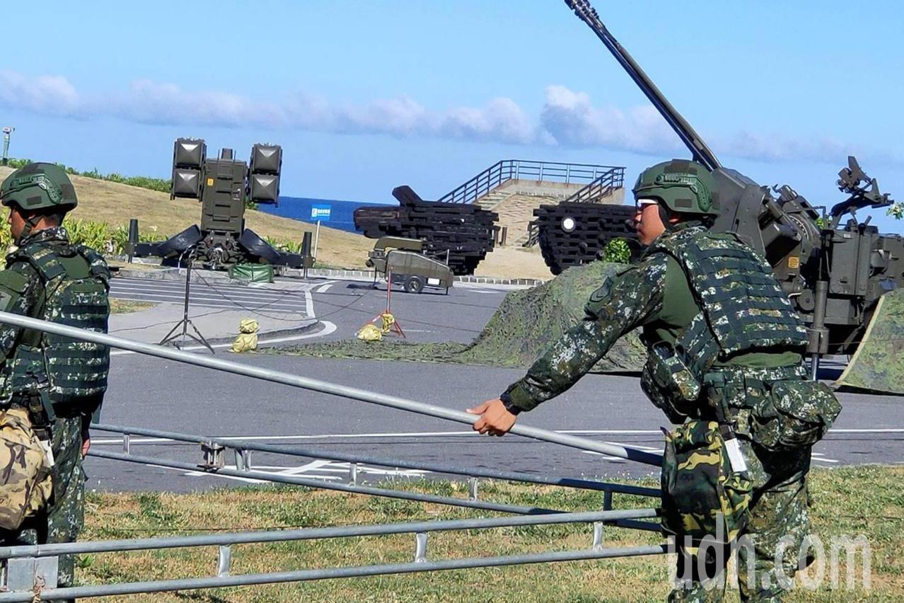 獨/漢光演習遊客止步 加路蘭景點午後成飛彈野戰基地