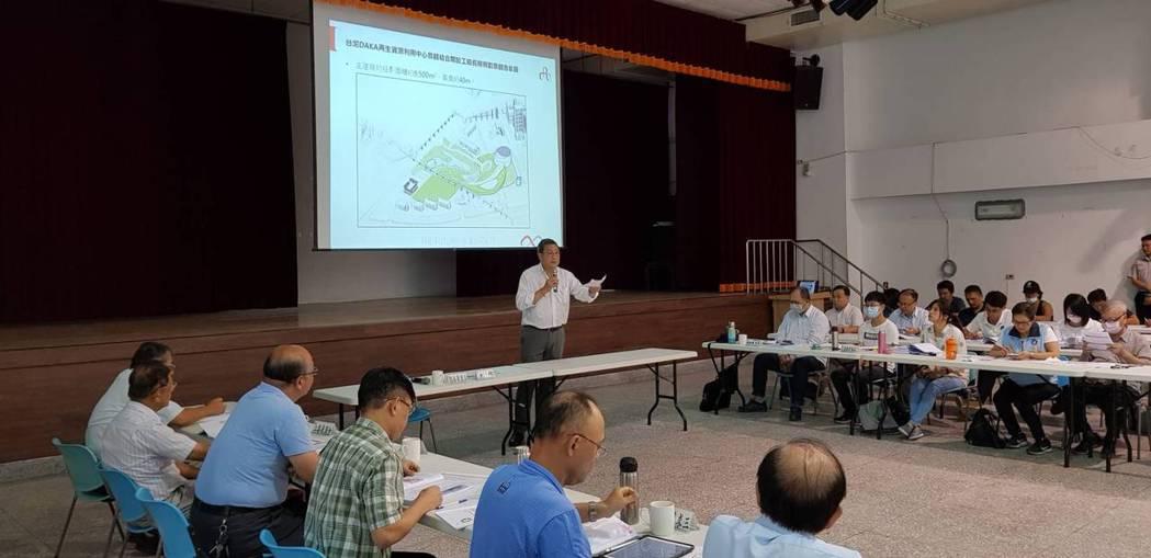 台泥企業團董事長張安平今天親自出席台泥花蓮和平水泥窯協同處理廢棄物BOO案的第三...