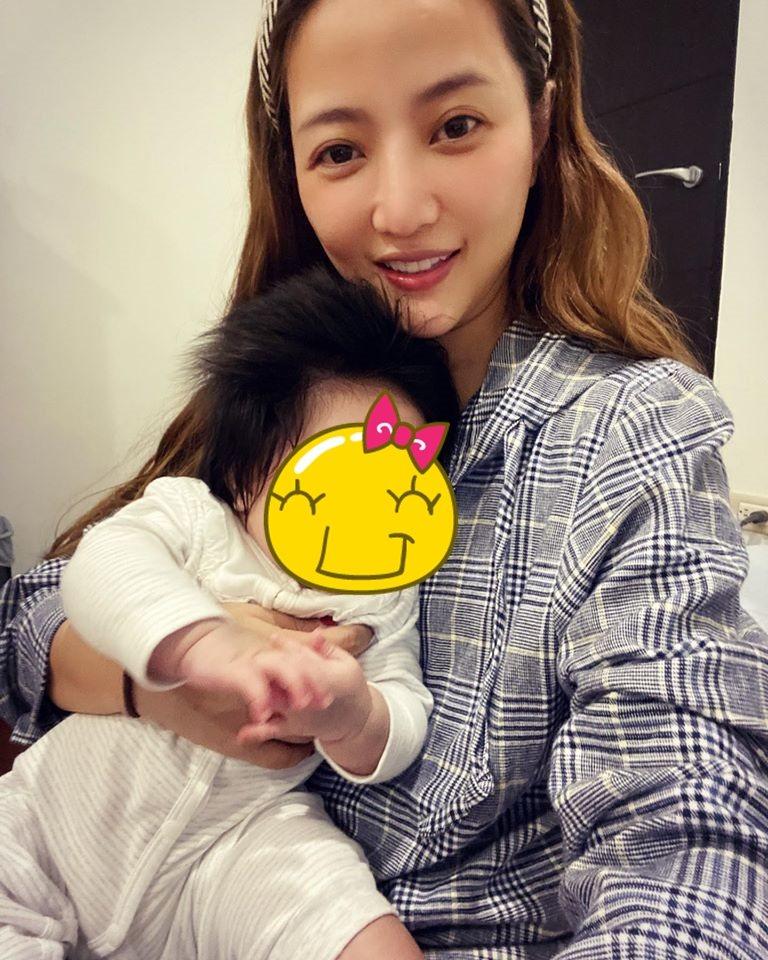 黃美珍去年底升格當媽。圖/摘自臉書