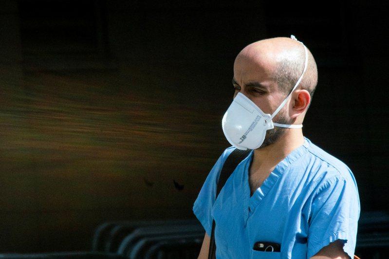 全球新冠肺炎疫情傳播速度加快,拉美地區居全球之冠。路透