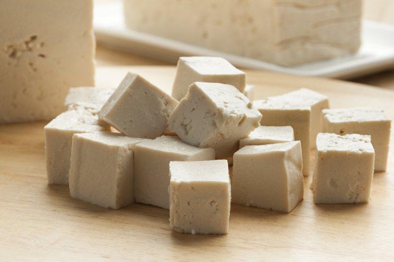 百頁豆腐的熱量驚人,網友看完都震驚。 示意圖/ingimage