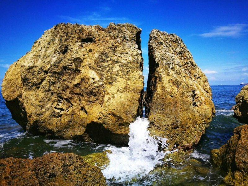 柴山阿朗壹的碎心石,讓人見證大自然的鬼斧神工。 圖/讀者提供