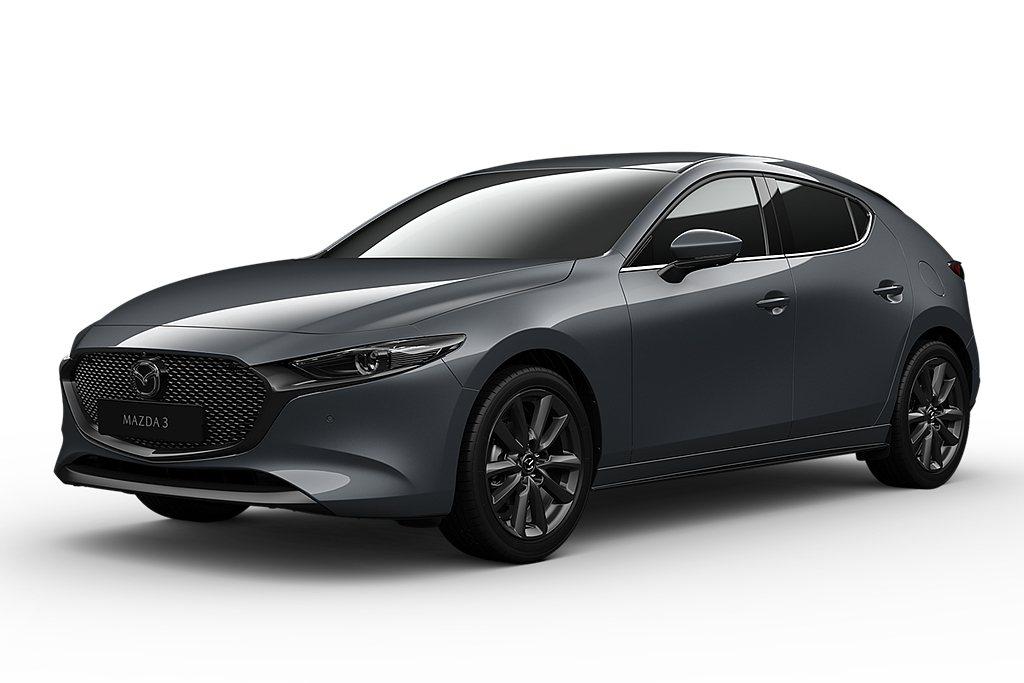 2021年式Mazda 3五門車型也提供全新「極境灰」車色可選,色澤風格獨具、層...