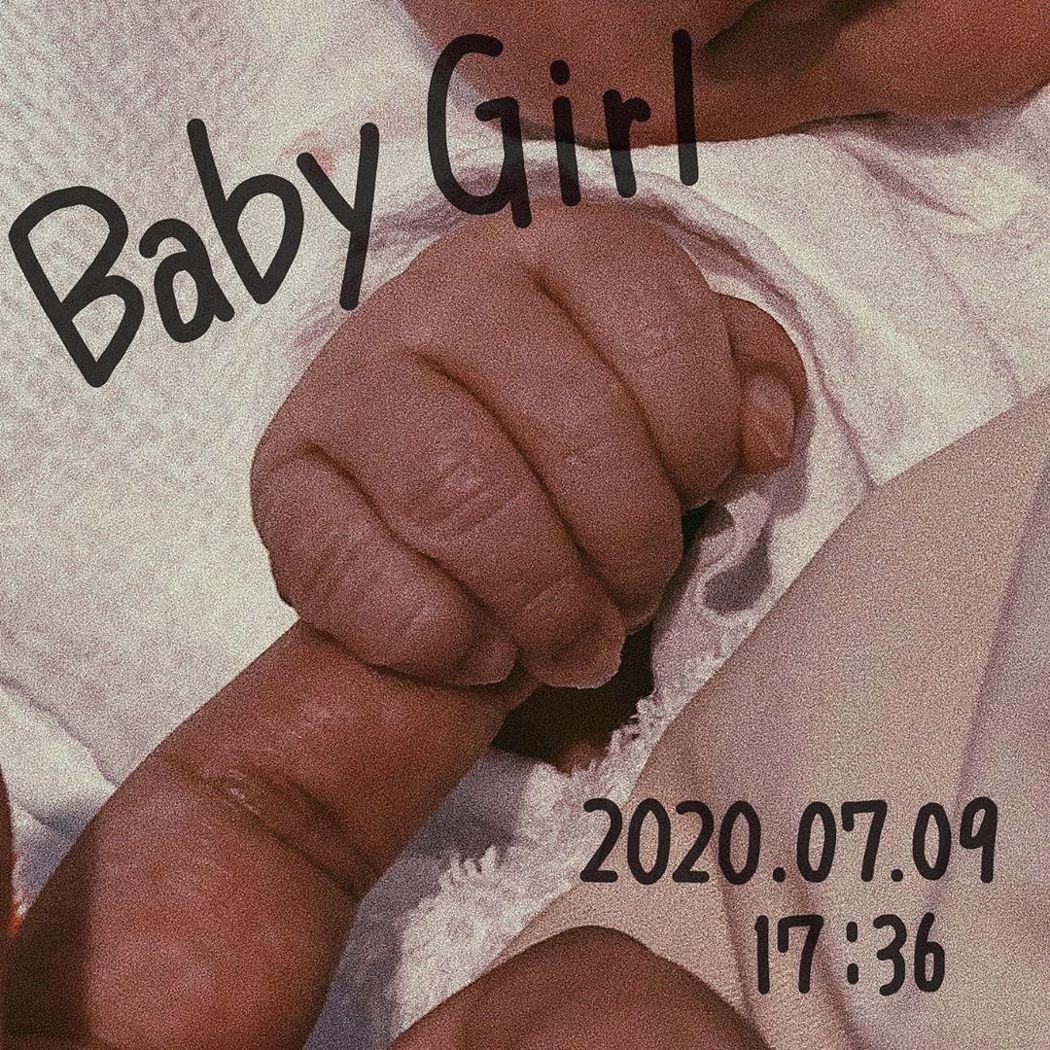 16歲高中生女模重川茉彌7日產下1女。圖/擷自IG