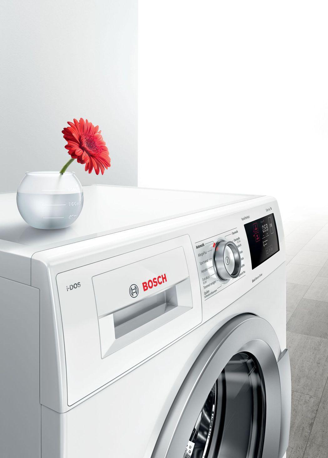 BOSCH i-DOS智慧洗劑精算滾筒洗衣機幫助使用者精準掌控洗劑,洗劑不殘留在...