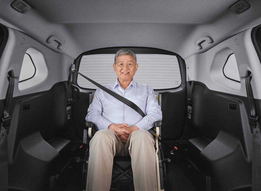 URX 5+1樂活版是台灣市場唯一原廠兼具福祉功能的SUV,以超前部屬的想法,打...