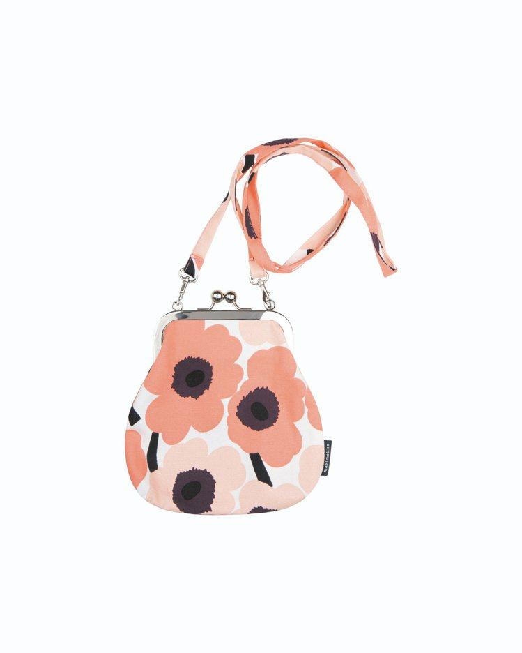 MiniUnikko印花口金斜背包,3,480元。圖/Marimekko提供