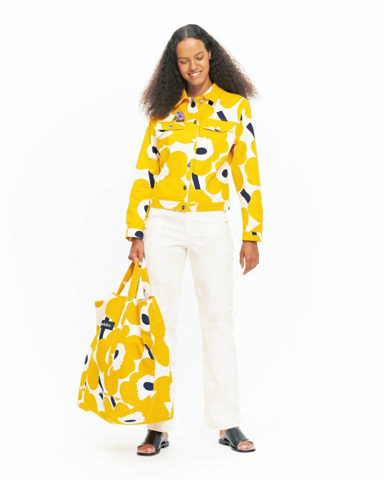 unikko印花 牛仔外套(黃),13,690元。圖/Marimekko提供