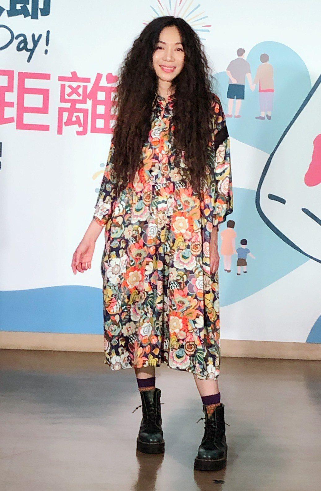 萬芳14日身穿花洋裝出席「2020大稻埕情人節」活動記者會。記者許晉榮/攝影