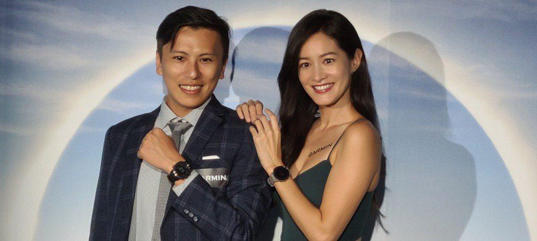 Garmin亞洲區行銷與業務協理林孟垣(左)與Janet。  記者何佩儒/攝影