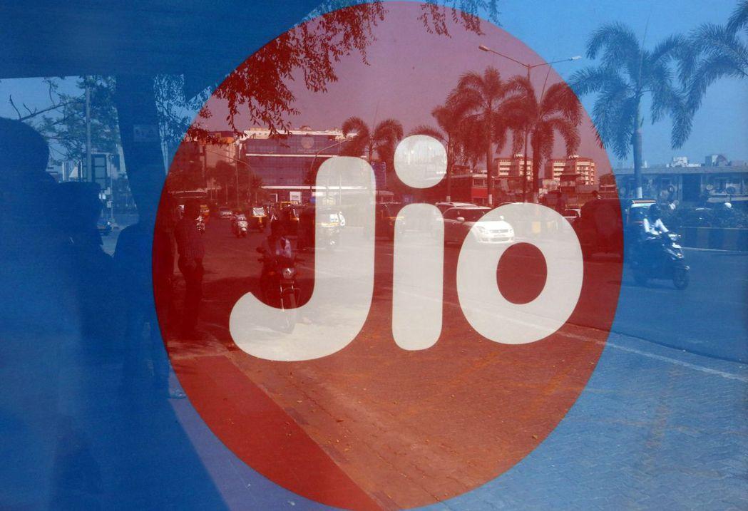 印度信實工業旗下的數位部門Jio平台提供廉價數據方案,用戶迅速成長,衍生的龐大商...
