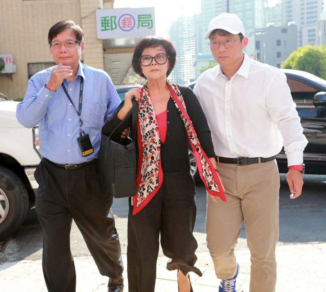 陳慶男(左起)、妻子陳盧昭霞。圖/本報資料照