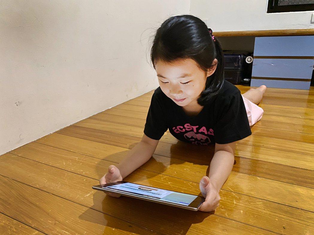 學習吧暑假任務讓孩童可以單獨學習,或與同學、好友組團闖關。 學習吧/提供
