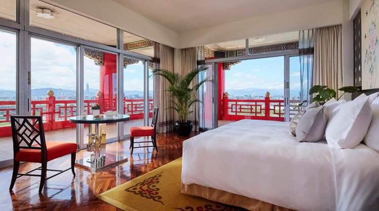 圖為圓山飯店一晚要價3萬多元的環景套房。擷自圓山飯店官網