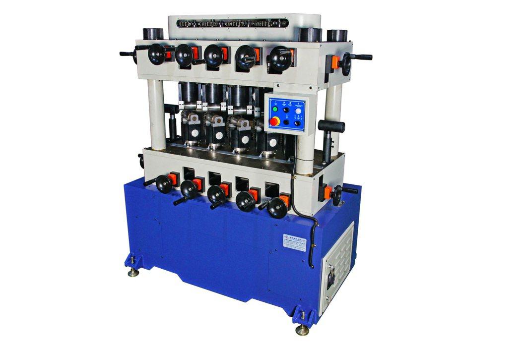 駿凱機械公司專業製造CK-230鋼管矯直機。 駿凱機械/提供