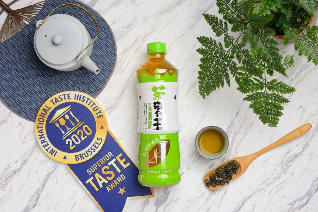 單細胞生茶萃取技術3.0升級加上兩項國際大獎助攻 ,超商飲品旺季開打之際,茶裏王...